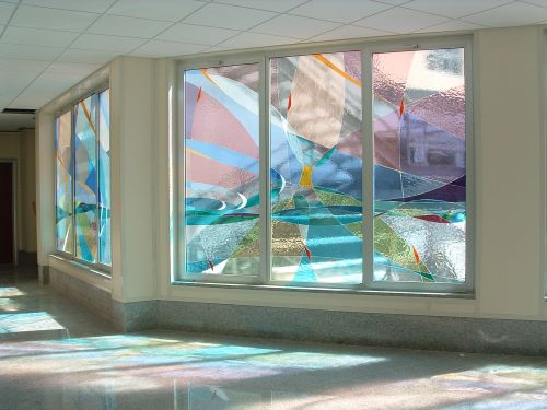 Produzione e vendita di vetrate artistiche dal design e for Aziende design