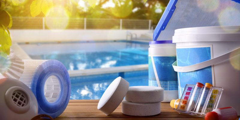Pulizia della piscina